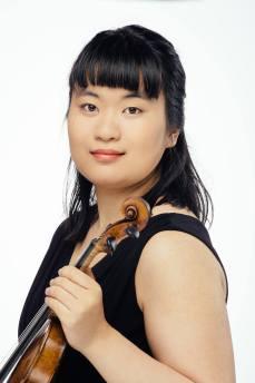 Nina Kawaguchi, violin